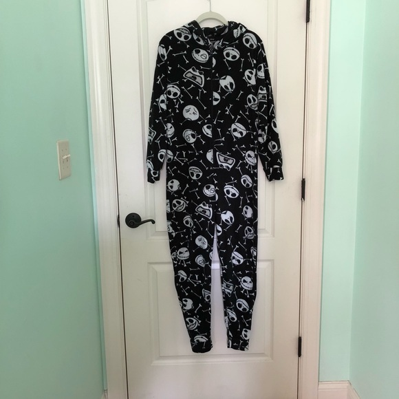 b08eb079e Disney Pajamas | Euc Unisex Nightmare Before Christmas Onesie | Poshmark